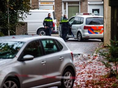 De politie heeft het gebied afgezet rondom de forensisch psychiatrische kliniek Altrecht Aventurijn. De 27-jarige man die is aangehouden in verband met de vermissing van Anne Faber (25) uit Utrecht, zat in de psychiatrische kliniek.
