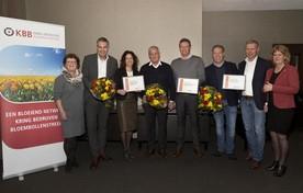 De drie genomineerden geflankeerd door juryvoorzitter Carla Kieft (links) en KBB-vicevoorzitter Coco Meeldijk.