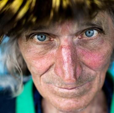 'Open je ogen' laat indringende portretten zien van de Hilversumse fotograaf Bob van Deurzen