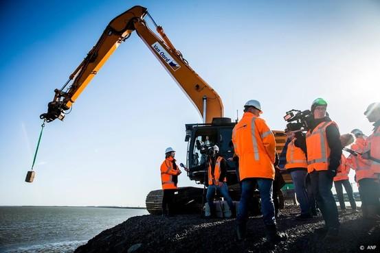 Aanpassen Afsluitdijk en snelwegen op de tocht