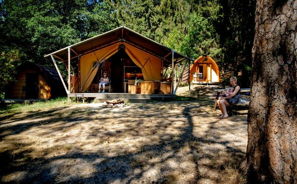 Verbod op luxe tenten op boerencamping Oosterend