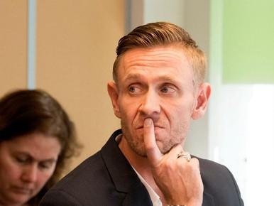 Jelle Brandt Corstius en Gijs van Dam niet vervolgd
