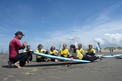 Spanning en ontspanning tijdens de derde editie van Aloha's Surf en Yoga Retreat Wijk aan Zee