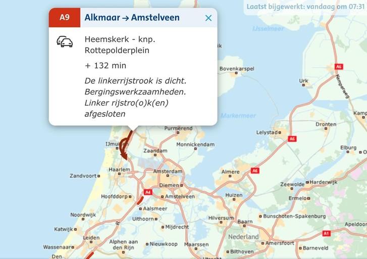 Kettingbotsing met zeven auto's op de A9 bij Velsen-Zuid: lange files