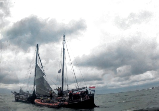 Alweer scheepsmast afgebroken bij bruine  vloot
