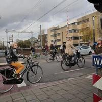 De kleine spoorbomen in Hilversum is een van de spoorprojecten.