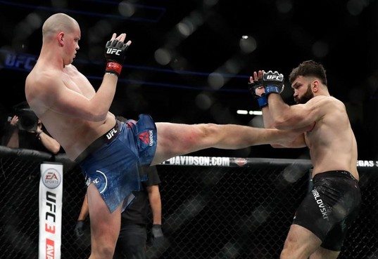 Belangrijke UFC-partij voor Beverwijkse vechtsporter Stefan Struve: 'Ik moet gewoon winnen' [video]