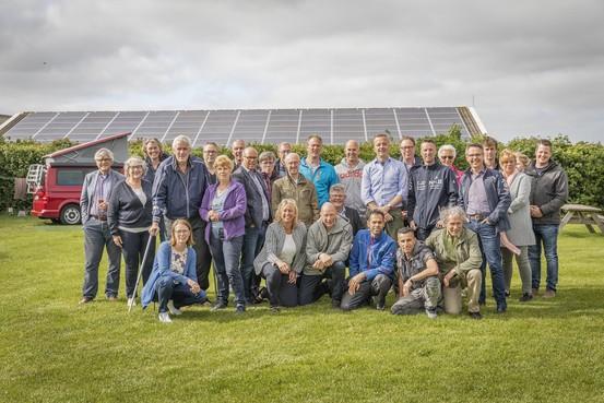 De Hal eerste collectieve boeren-zonnedak op Texel