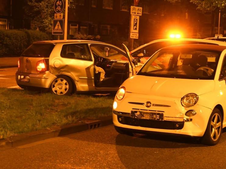 Twee gewonden bij aanrijding op kruising in Leiden