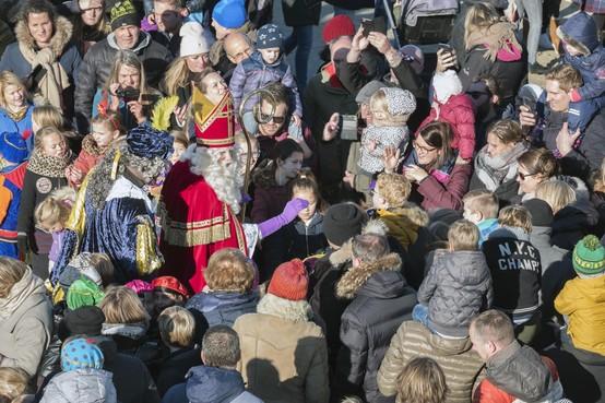 Zandvoort loopt uit voor Sinterklaas [video]