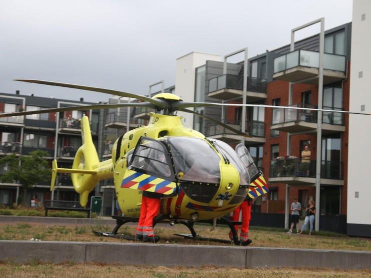 Traumahelikopter voor zwaargewonde fietser in Hillegom