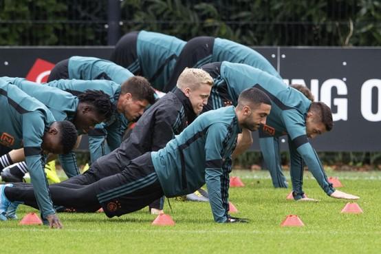 Ajax kan al richting achtste finales van CL