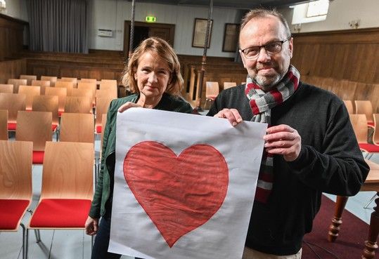 West-Fries stelt hart open in kerkje van Benningbroek