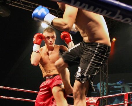 Beverwijker Brian Douwes vecht voor wereldtitel kickboksen tegen Ilunga