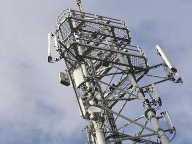 Ilpendam in rep en roer over telecommast