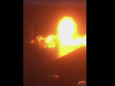 Politie plaatst beelden van enorme vuurwerkbom in Voorschoten [video]