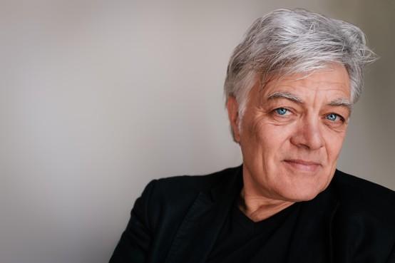 Robert Jan Stips met Supersister Project 2019 naar Patronaat: 'Lichtvoetige serieusheid' op herhaling