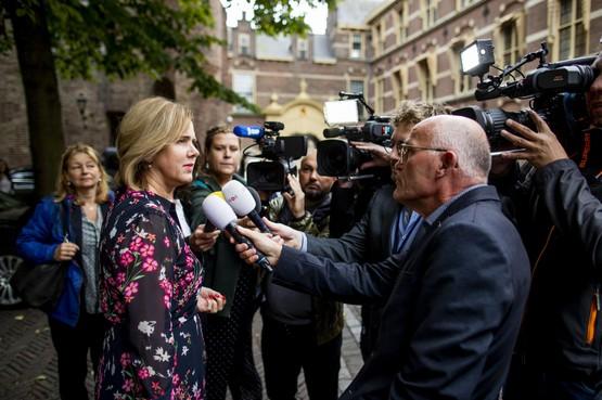Minister Van Nieuwenhuizen: groeiplafond Schiphol is bovengrens
