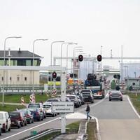 Vertraging in april op Afsluitdijk.