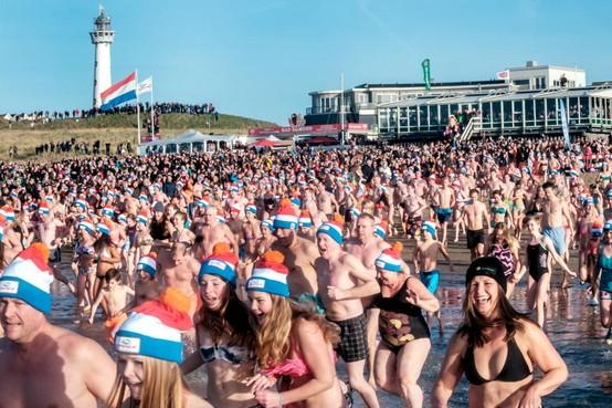 Einde Nieuwjaarsduik Egmond aan Zee is 'echt heel jammer'