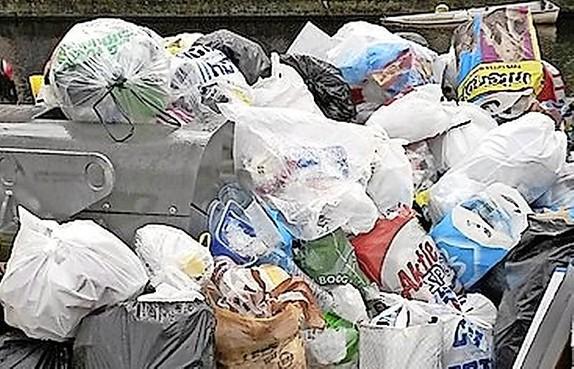 Gratis afvalzakjes schieten doel voorbij in Voorschoten