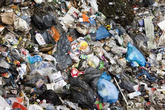Drie keer geen straf bij zitting over vuilniszakken