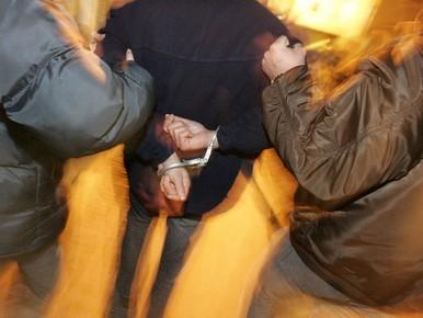 Broers opgepakt voor mishandelen Hilversums meisje