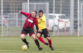 Football Factory-oprichter Pieter van Schie (links) in actie.