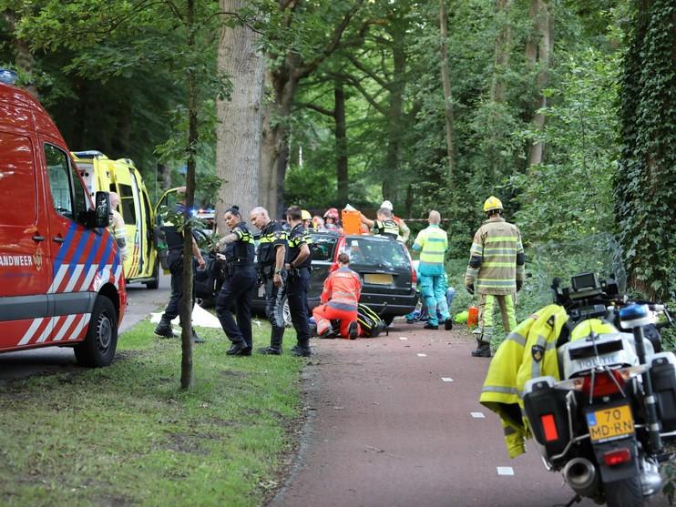 Dode en zwaargewonde bij ernstig ongeval in Naarden [update]