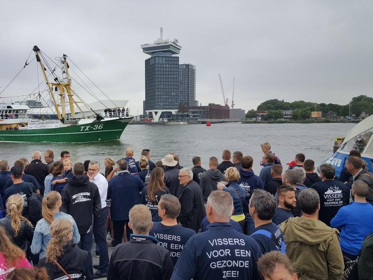 Vissers demonstreren tegen aanlandplicht en windmolenparken op zee