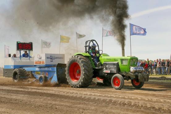 Aan inschrijvers geen gebrek bij Trekkertrek in Wieringerwerf, Agrarische Jongeren willen massaal meedoen