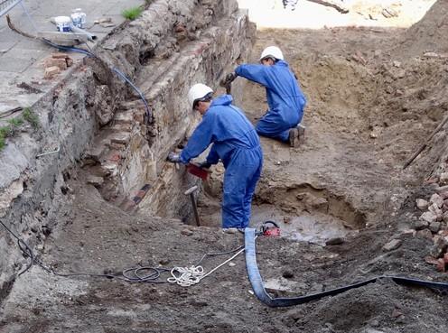 Archeologen vinden muur 'groot pand' in Hoorn