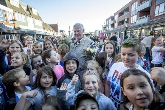 Hillegommer Bas Warmerdam voltooit zijn vijftigste avondvierdaagse