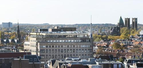 Woningen, warenhuis of kunst in Haarlems pand van Hudson's Bay?