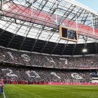 Een foto van Johan Cruijff in de Amsterdam ArenA voorafgaand aan de wedstrijd tegen PEC Zwolle.