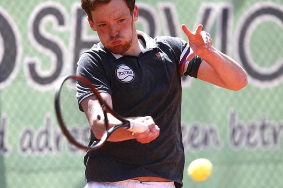 Blessures kwellen HTC 2 in overlevingsdrang op de tennisbaan