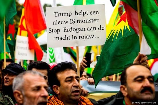 Spontaan protest tegen Erdogan op Amsterdam CS