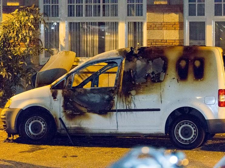 Uitgebrande auto teruggevonden na schietpartij Amsterdam
