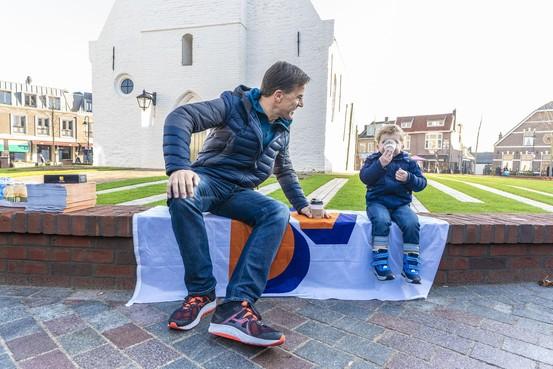 Mark Rutte in Noordwijkerhout op campagne voor lokale VVD