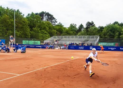 Zandvoort prolongeert op eigen park nationale tennistitel