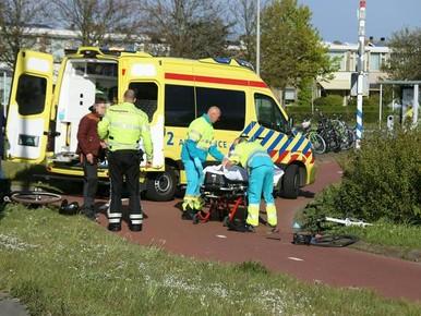 Wielrenner gewond en fiets in puin bij botsing in Noordwijkerhout