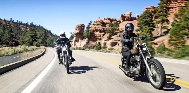 Op twee wielen door de natuur: spectaculaire Red Rock Canyon en een bloedhete Death Valley