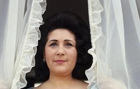 Mary Servaes-Bey, alias de Zangeres Zonder Naam. Foto uit de biografie van schrijver Ben Holthuis.