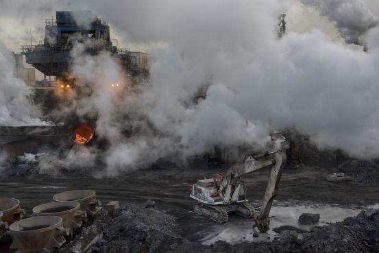 Brandbrief Beverwijk, Velsen en Heemskerk over grafietregens en stofoverlast