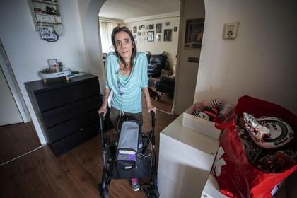 Doodzieke Leidse moeder (42) knokt voor een geschikt huis: 'Het ergste is het voor mijn dochter van 9'