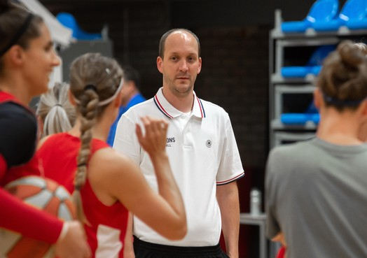 Basketbalsters Lions huilen uit en daarna moet teleurstelling volgens coach Thijs Volmer omslaan in trots