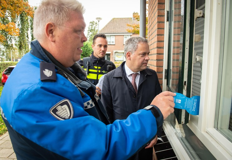 Actie Week van de Veiligheid Landsmeer geen overbodige luxe: 'Inbreker kan hier en daar zo het huis in' [video]