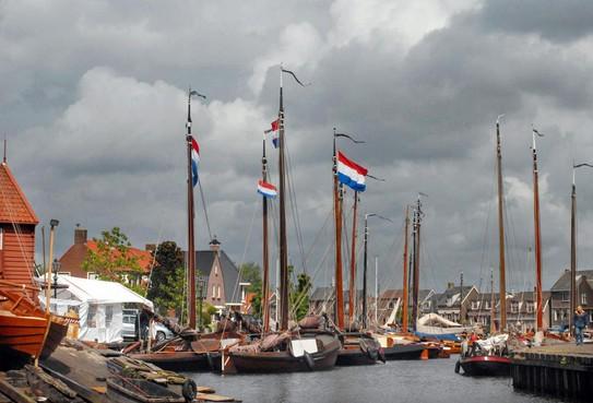 Met 45 Spakenburger ondernemers naar de rechter in Zwolle om BIZ-heffing