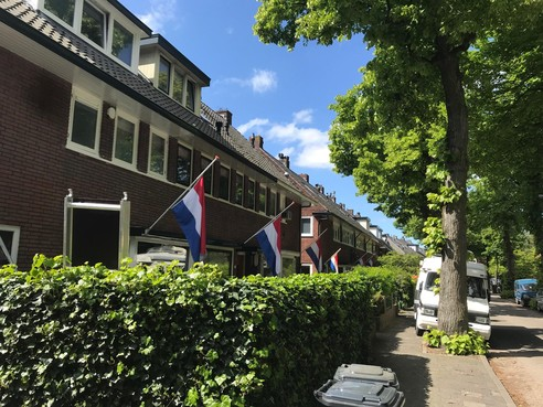 'Liefdevolle actie' van bewoners Oude Amersfoortseweg in Hilversum op de dag van begrafenis van plotseling overleden straatgenoot
