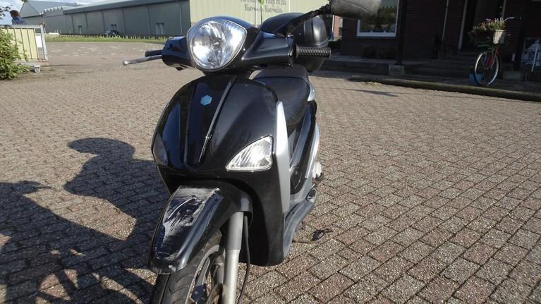 Scooterrijder gewond bij val in Den Helder